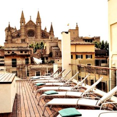 Take a sauna, then plunge into the rooftop pool with views over the Gothic cathedral.