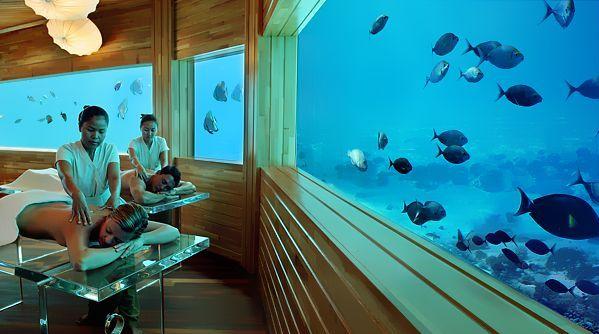 huvafen-fushi-maldives-underwater-spa