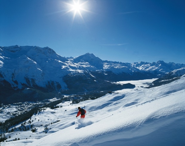 HUSMVCR_28010820_Skiing_in_Winter_time_in_St._Moritz_3543x2803