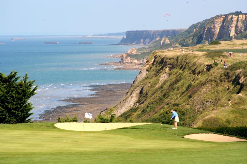 HUCFRLC_27924739_Omaha_Beach_Golf_Course_3456x2304