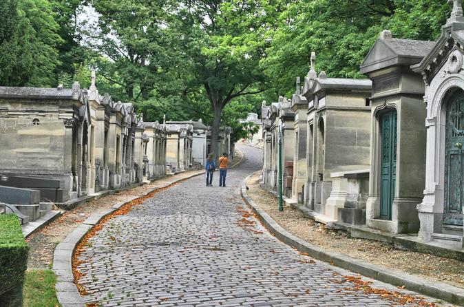 paris-pere-lachaise-gravestone-walking-tour-in-paris-130599